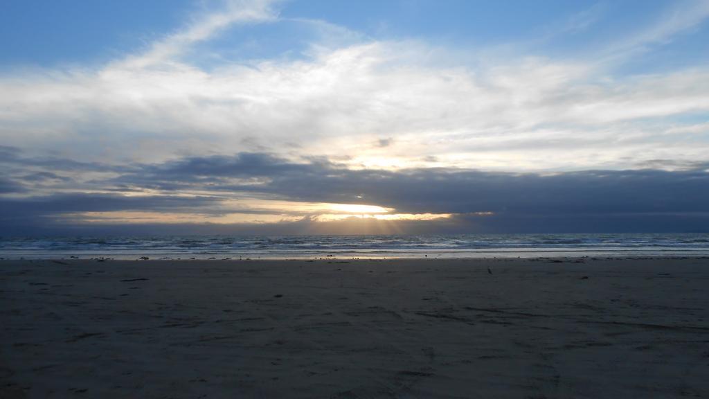 10.oreti beach