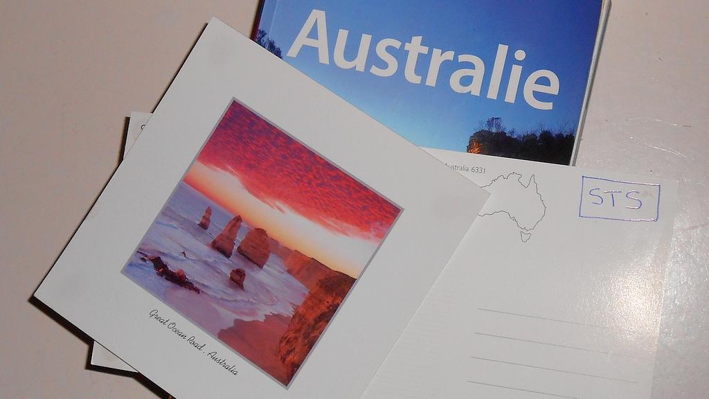 Envoyer des cartes postales sans timbre grâce au STS