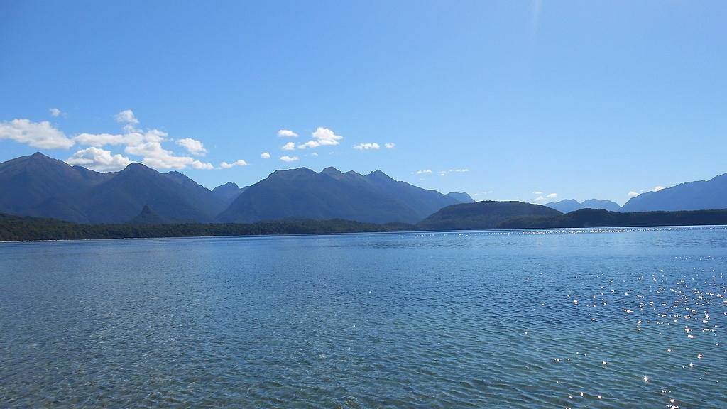 Manapouri lake