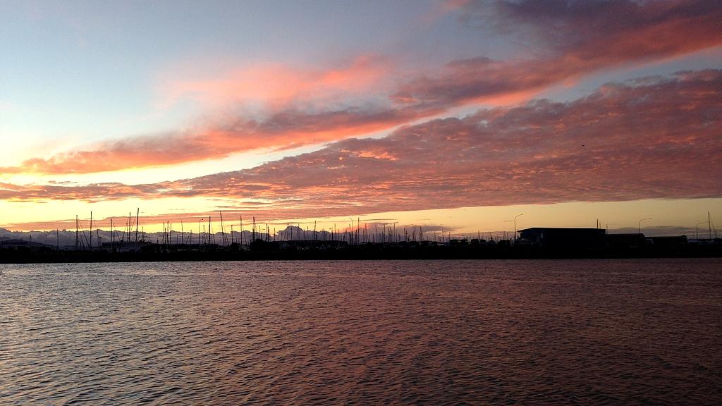 Couché de soleil sur le port de Nelson