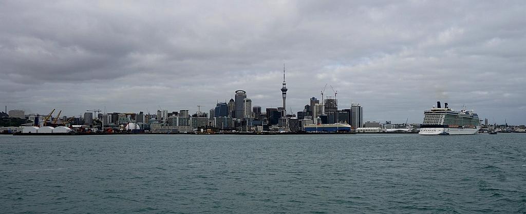 Auckland depuis le ferry